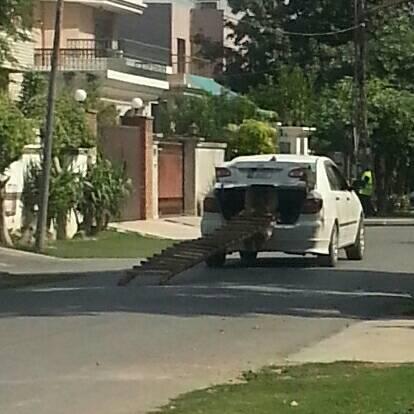 Deteriorating traffic situation in Pakistan - 2ec503f79bead8eebad4019232105ace