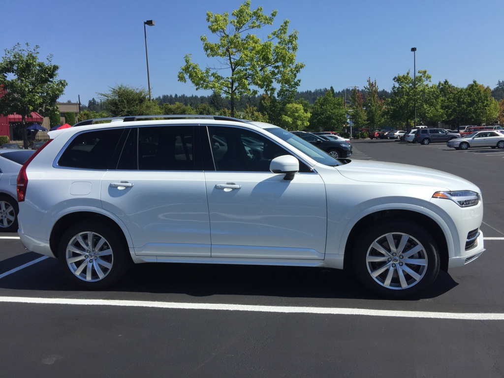 2016 XC90 T6 Momentum+ | Vision Package | Polestar | Crystal White Metallic/Charcoal interior ...
