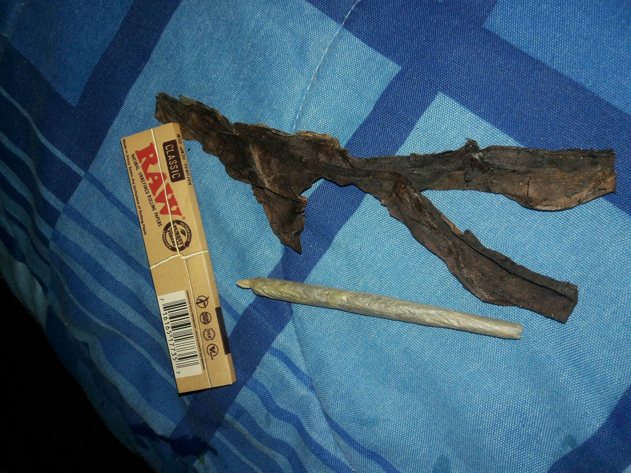 How To Roll A Blunt Out Of Fronto Leaf & Bambu