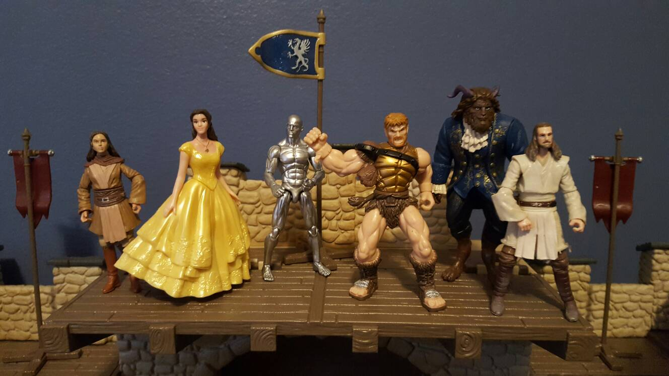 Disney 39 s beauty and the beast action figures the for Separation decorative entre 2 pieces