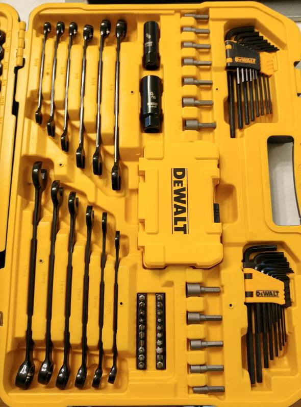 dewalt 176 piece mechanics set $99 at costco - the garage journal board