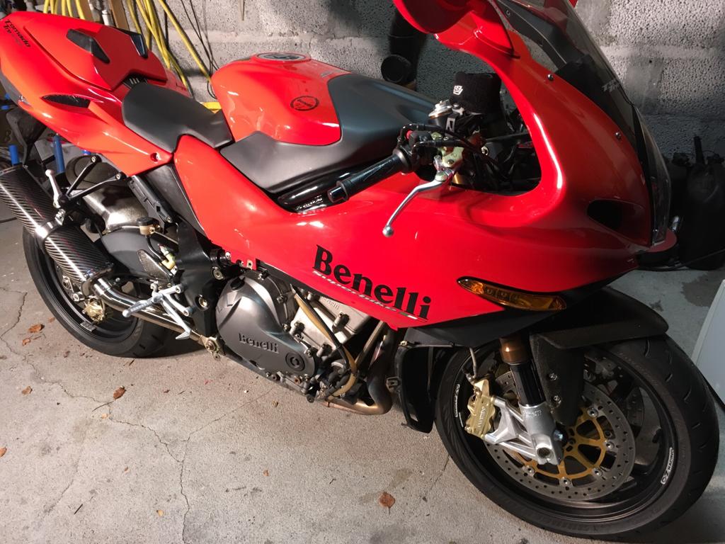 1985 Yamaha RD 350 YPVS 1e4366105ef387427e878306ecca07eb