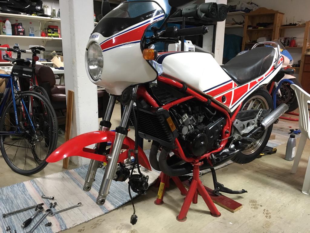 1985 Yamaha RD 350 YPVS 4975b706000e60d7d5323a769d58fd54