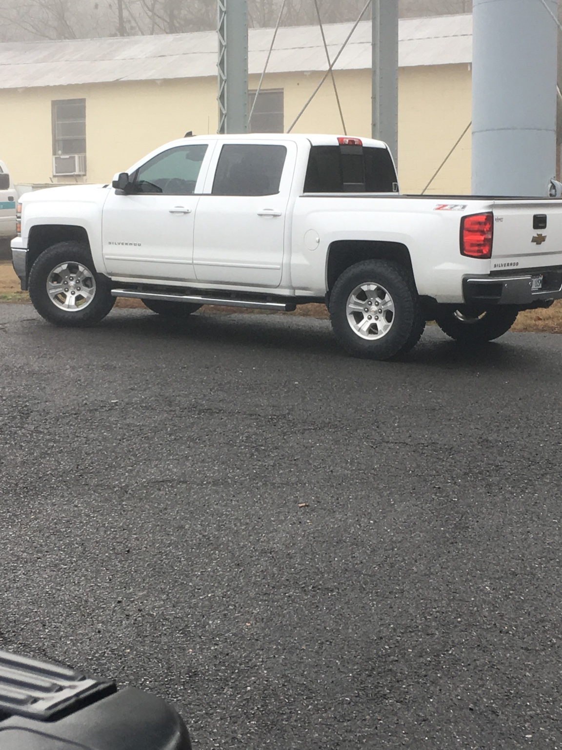 """285 75 17's under 2.5""""F and 1.75""""R lift - 2014 / 2015 ..."""