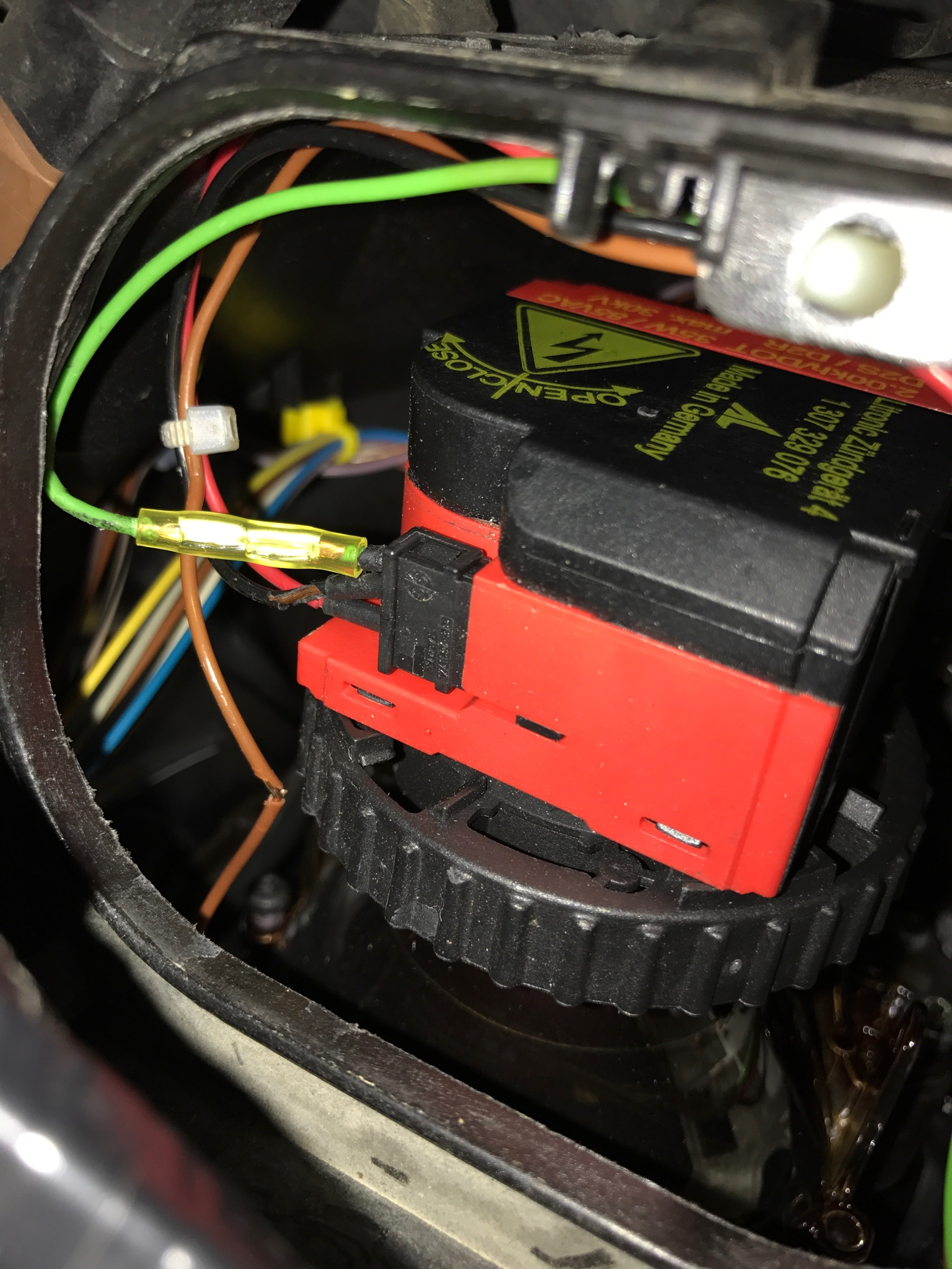 Adaptive Bi-Xenon Headlights Blinking/Flickering - Solution For One