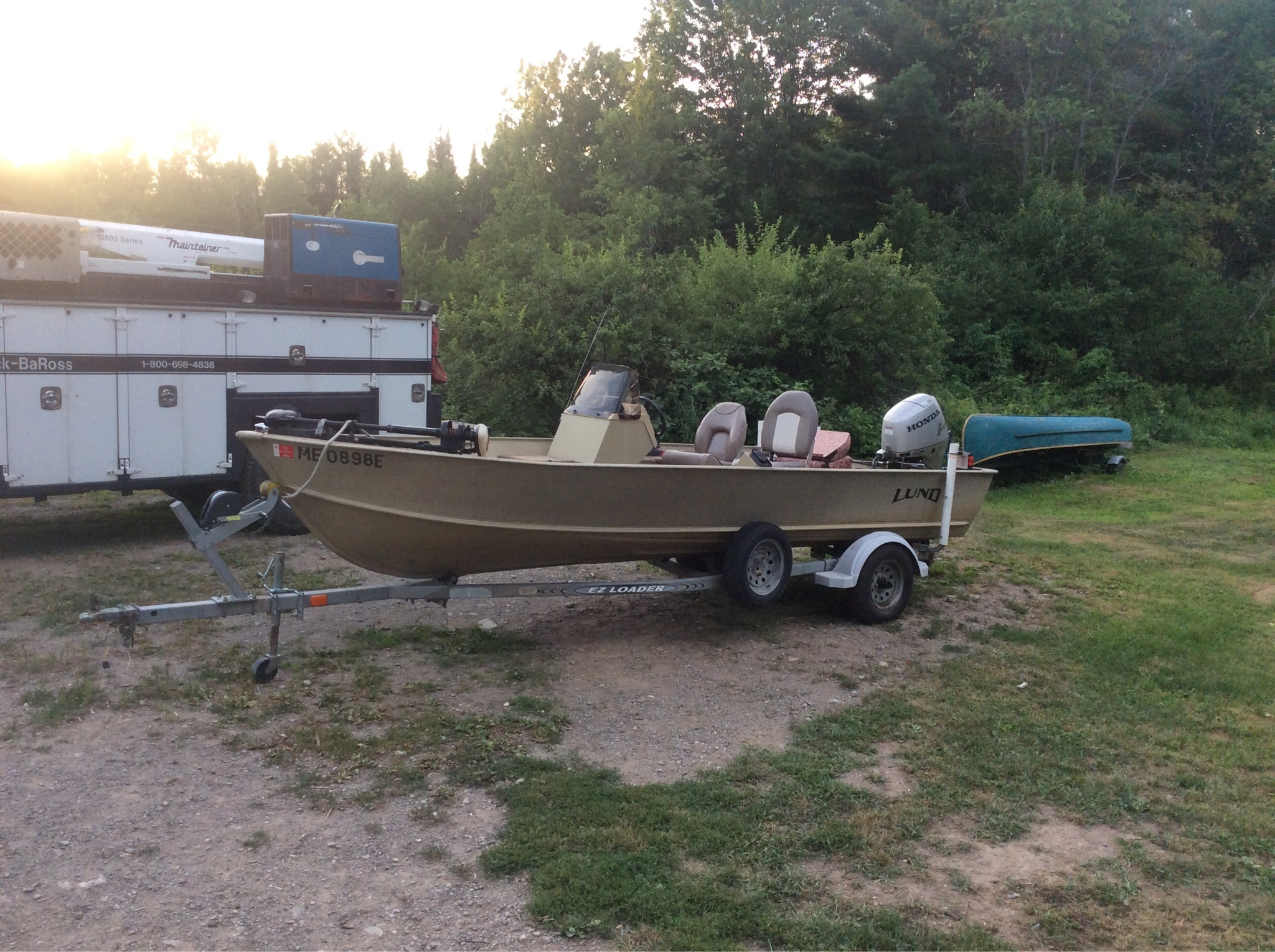 Let's see those fishing boats : The Honey Hole