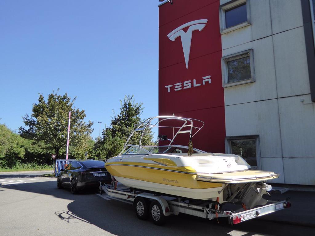 Model X kann auch große Anhänger • TFF Forum - Tesla Fahrer & Freunde