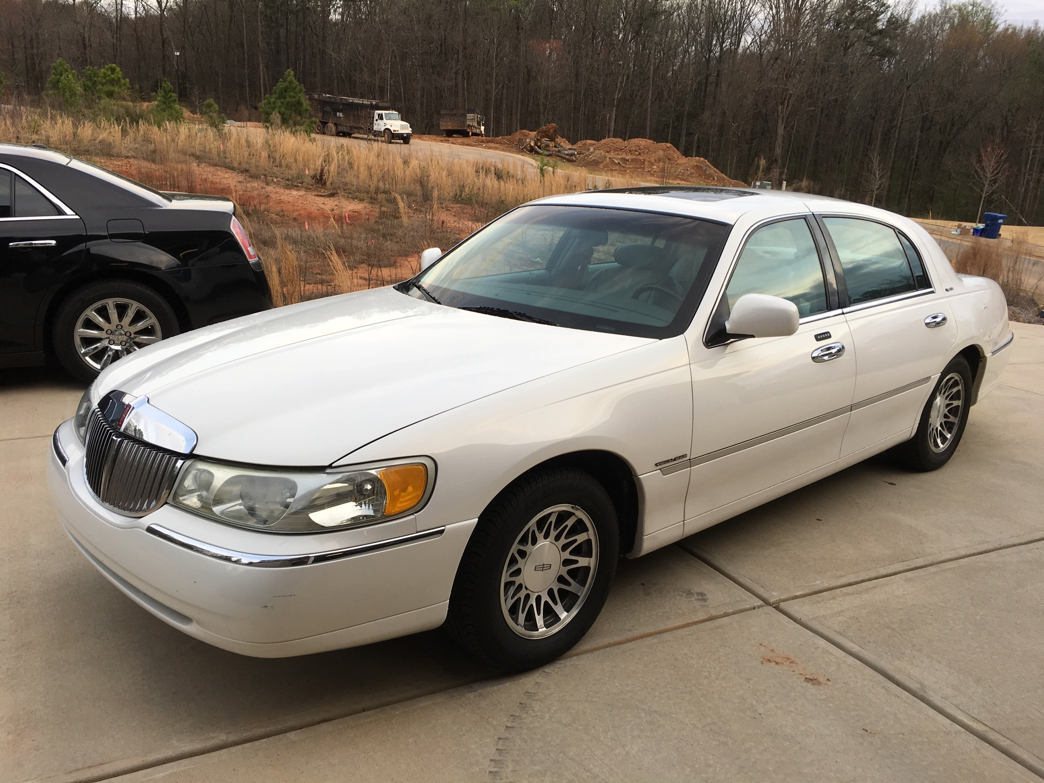 2002 Lincoln Town Car Signature Series  Raylan Givens Special  For Sale