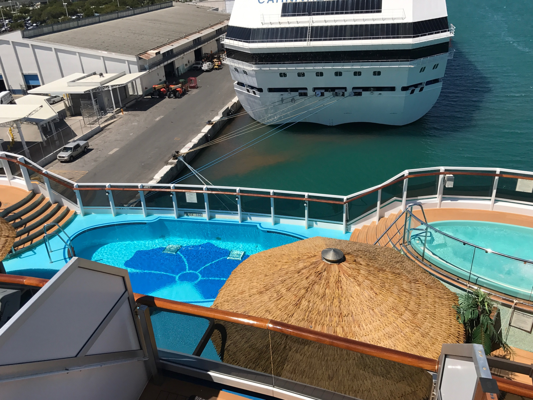 Aft-View Extended Balcony (8N) Carnival Magic Cabin ...