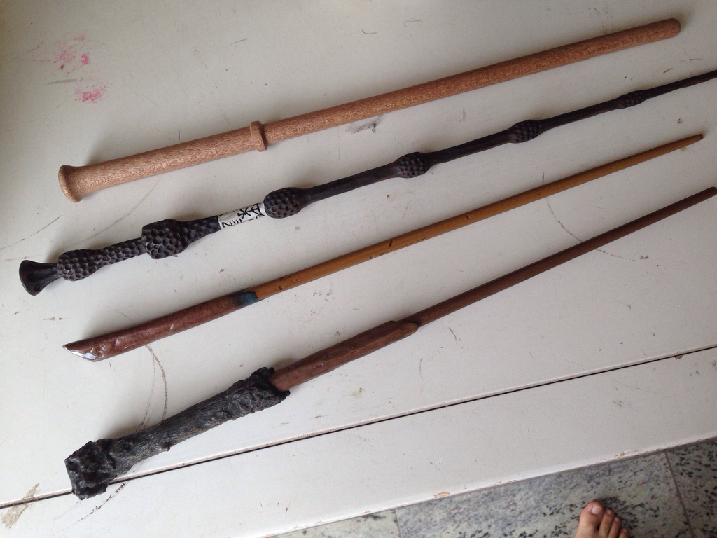 Harry potter wand differences for Dumbledore wooden wand