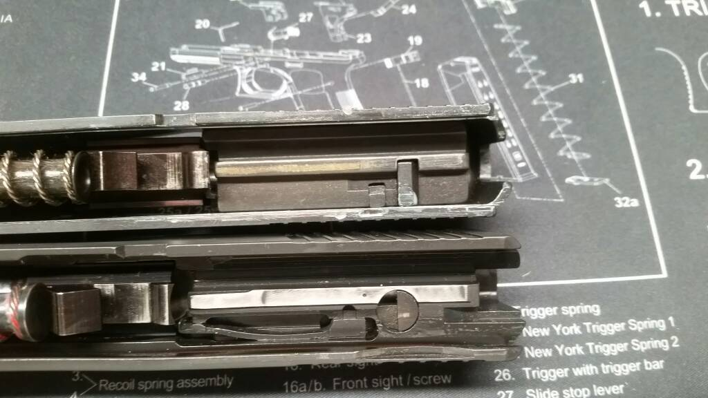 P220 With Internal Extractor - SIG Talk