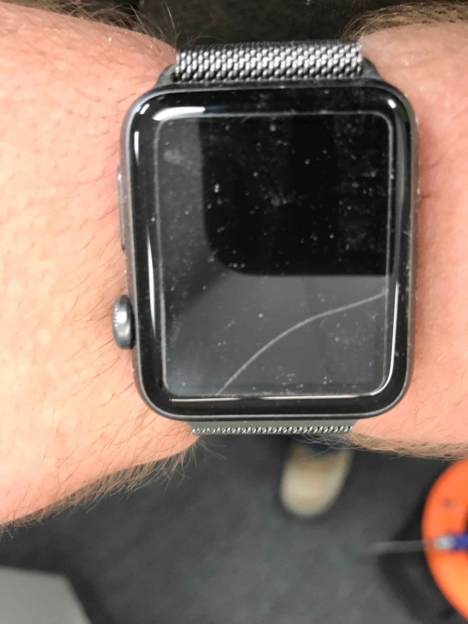 apple watch cracked screen wont turn on
