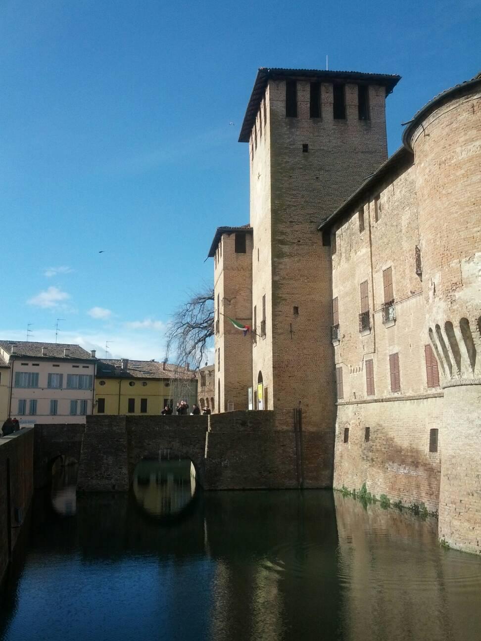 Castelli e piccoli borghi il fascino dell 39 italia nascosta - Finestre castelli medievali ...