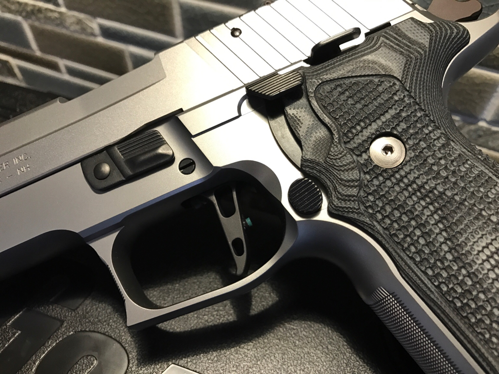 Armory Craft flat trigger in X5 All Around - SIG Talk