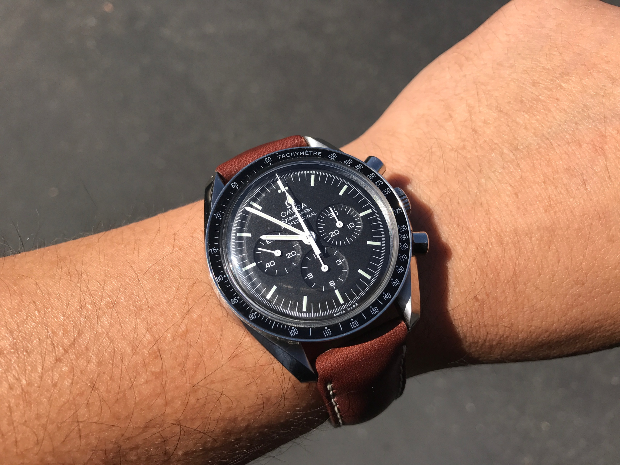 omega speedmaster moonwatch leather strap options