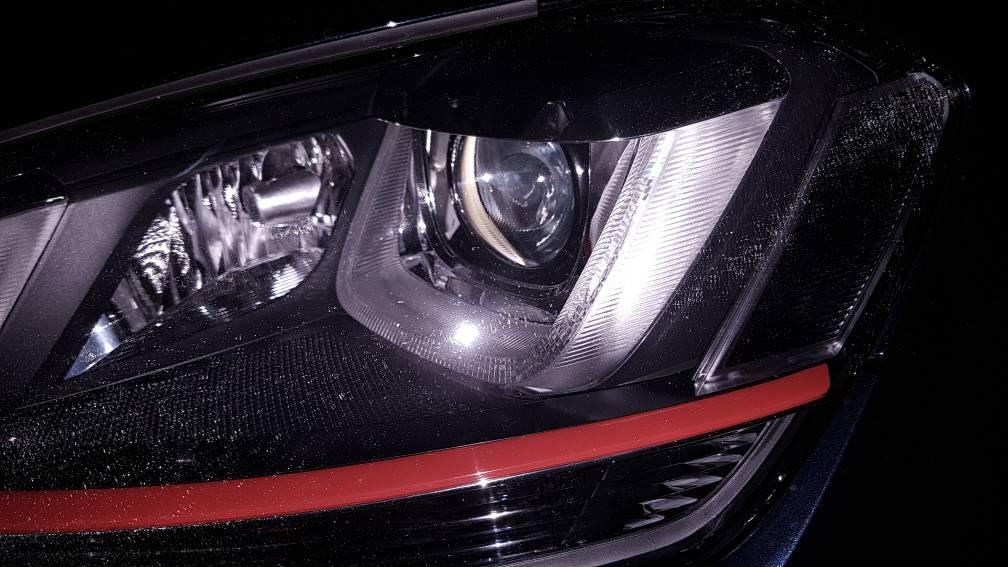Weird hairline cracks in headlights - GOLFMK7 - VW GTI MKVII