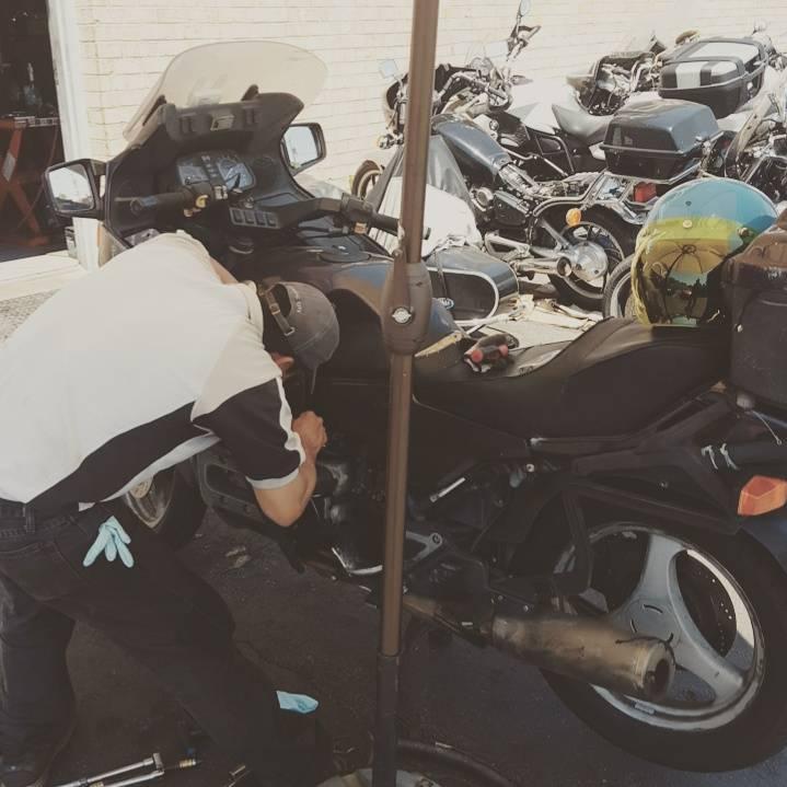 Broken valve and a 3 cylinder '95 K1100LT | Adventure Rider
