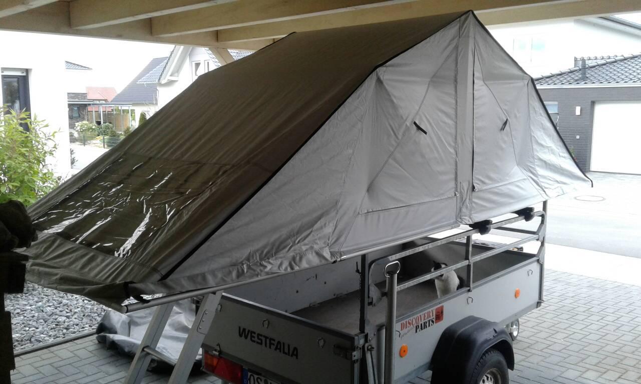 dachzelt auf anh nger outdoor camping caravaning jagd. Black Bedroom Furniture Sets. Home Design Ideas