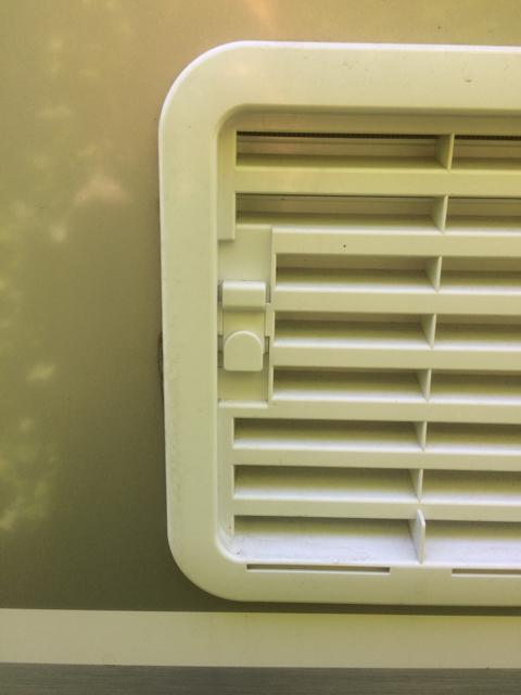 Bekend Verwijderen ventilatierooster koelkast - caravan-forum.nl EZ59