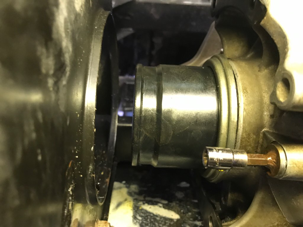 Axle removal problem - Can-Am Commander Forum