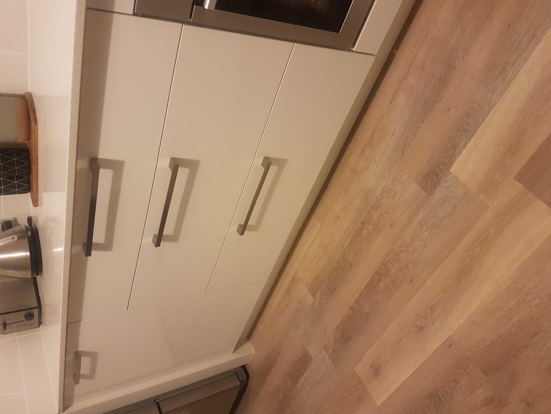 Polar White v Classic White kitchen cabinets
