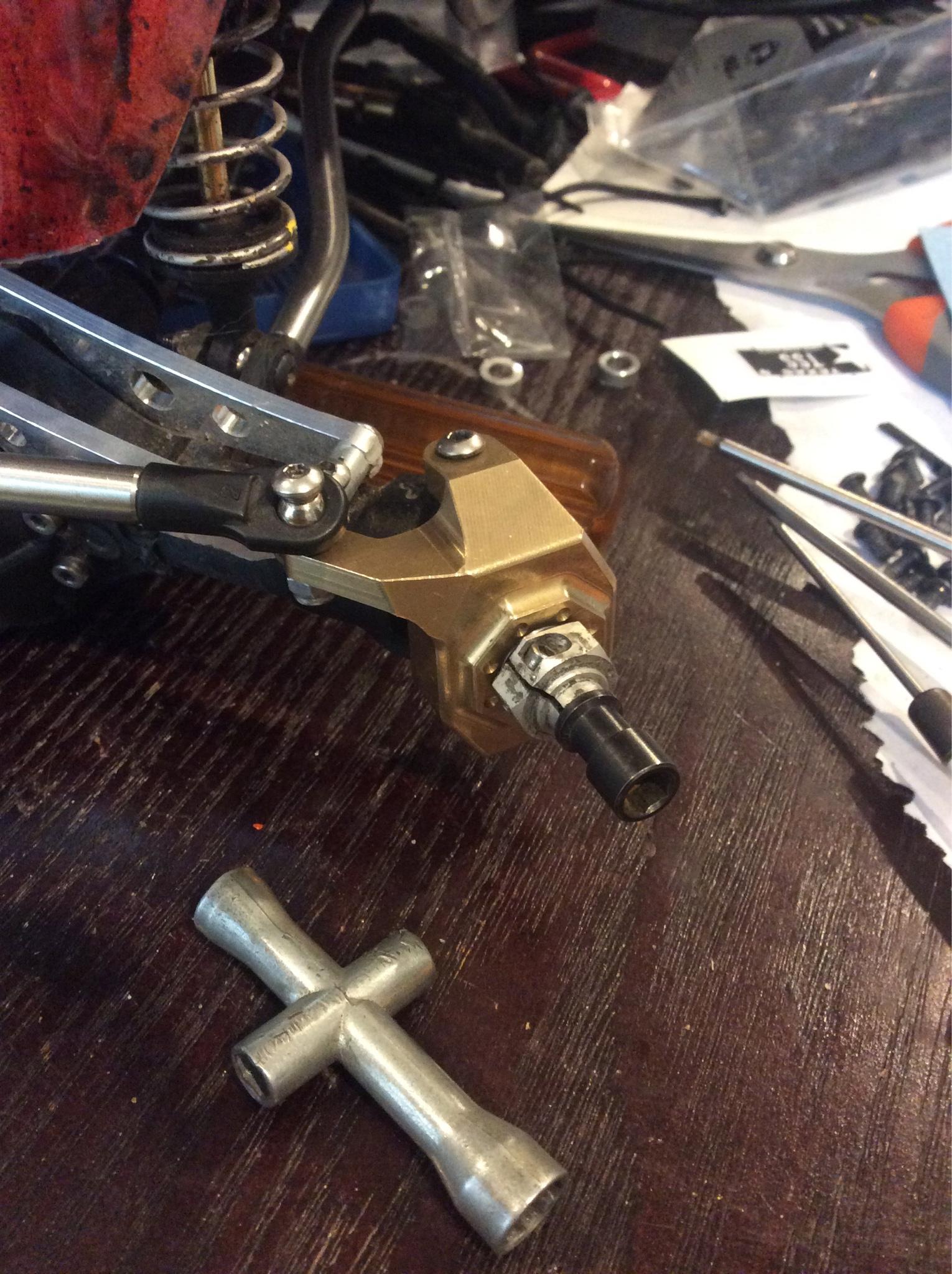 010068a2eaa19b1b60f1eb52c2e950d0 TSS ar60 brass knuckles