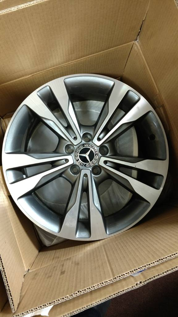 New 2017 C300 18 Inch Wheels Staggered 112x5 Mbworld Org