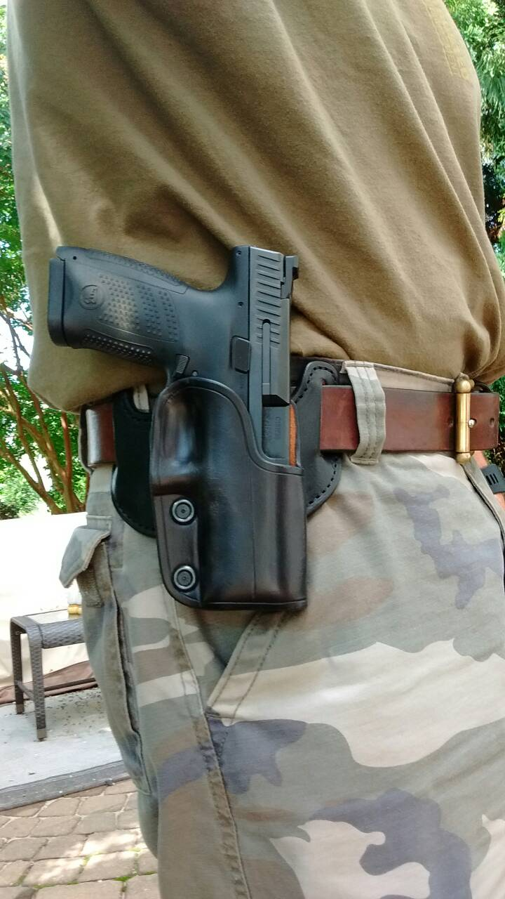 What holsters fit the P-10C?