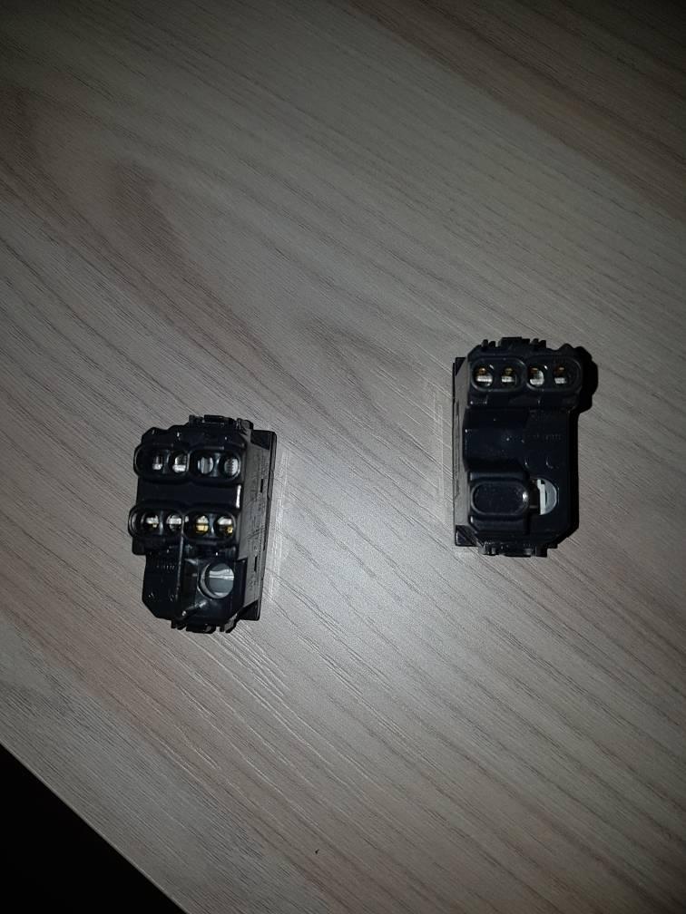 Schema Elettrico Per Due Punti Luce : Problema accensione luce da interruttori tom s hardware italia