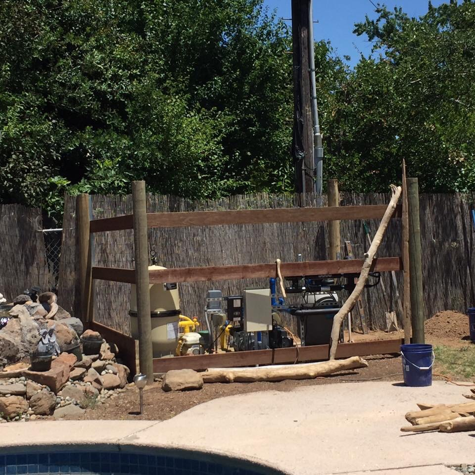 Pool equipment pad fence