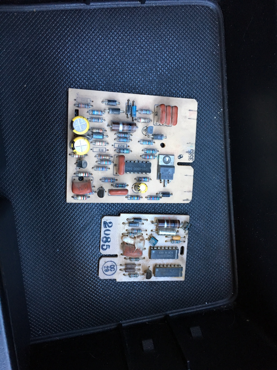 What Is This Card For M1009 Cucv Wiring Diagram I Know The Top Glow Plug Controller But Bottom One Its Located Near Diagnostic Under Middle Of Dash