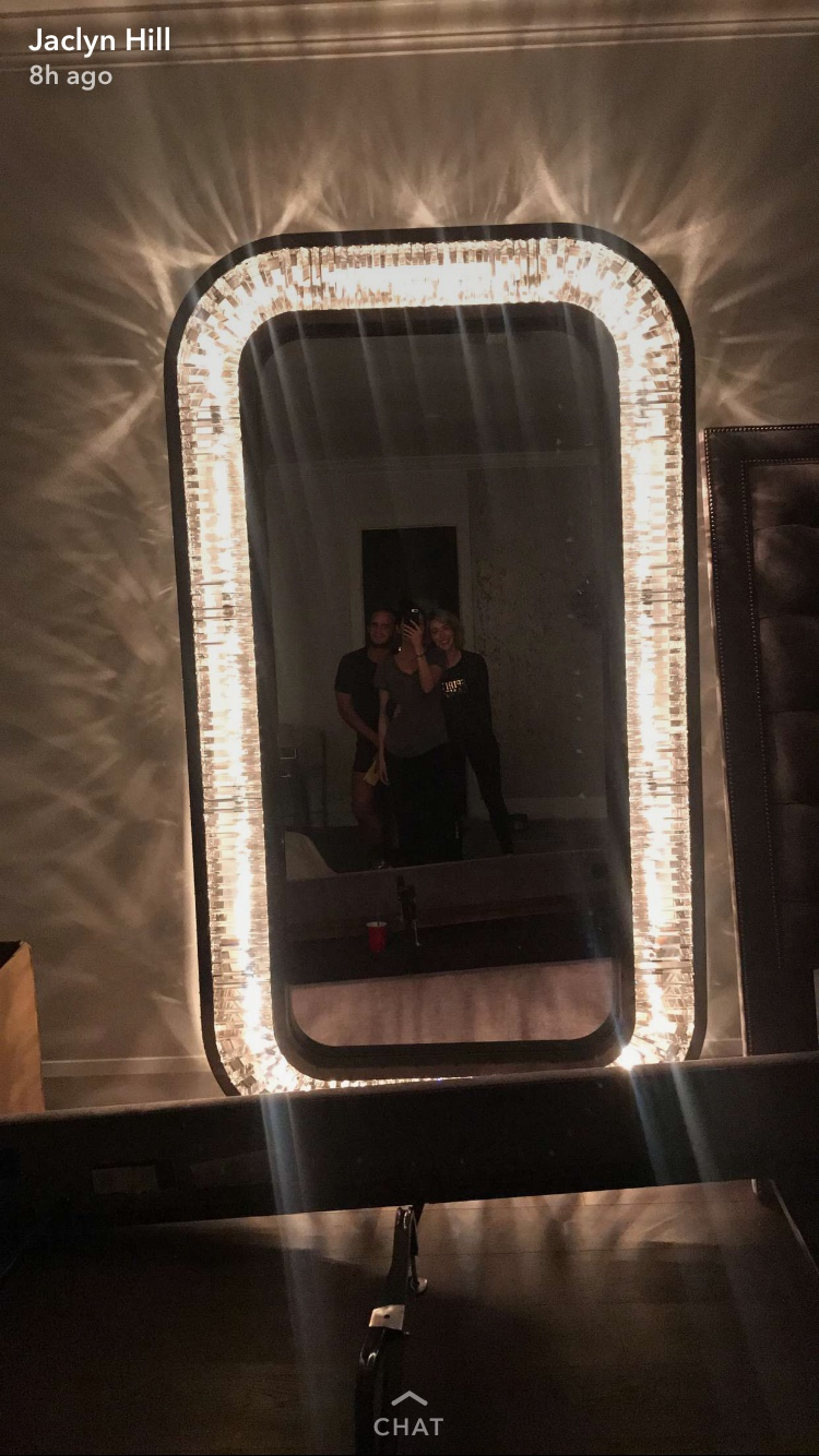Guru gossip view topic jaclyn hill yep kylie jenner has that exact mirror rofl she just copies them and has zero originality or taste if i can find kylies sc post of this exact mirror ill amipublicfo Gallery