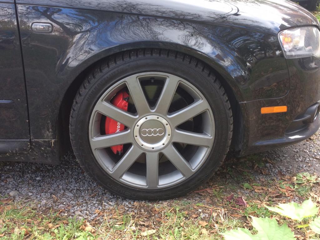 Textar Audi Q5 2013 2.0L Disc Brake Rotor and Pads Kit New Brembo