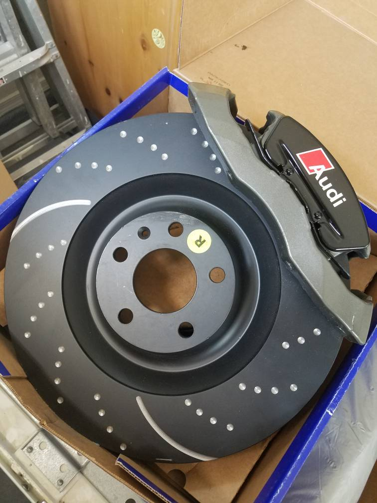 OE Replacement 2010 Audi Q5 w//345mm Front Rotor Dia Rotors Ceramic Pads F