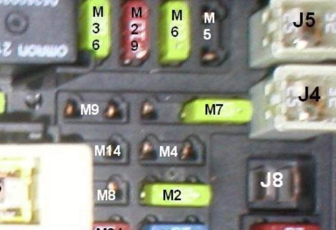jeep wrangler fuse box clicking whats up with the 12v outlets key on only  jeep wrangler forum  jeep wrangler forum