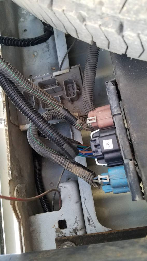 2005 chevy silverado 2500hd trailer wiring diagram silveradosierra com     2004 silverado rear taillight issues  2004 silverado rear taillight issues