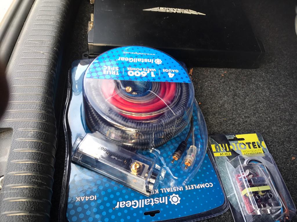 Vwvortex Com  Custom Box With Amp  U0026 Wiring Kit