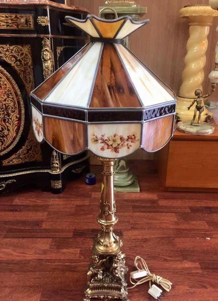đèn Mỹ cổ