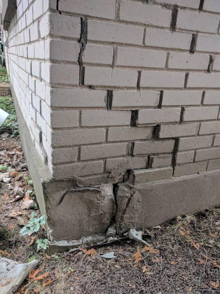 Pics fissure sur la fondation worst case scenario for Combien coute un drain francais