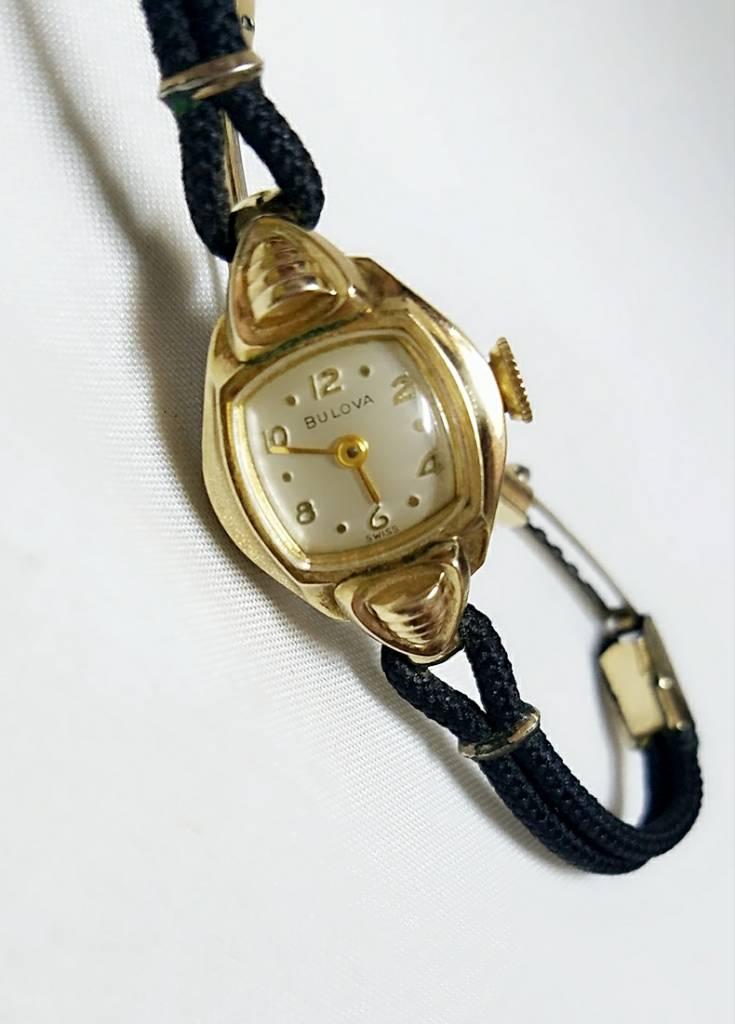 Đồng hồ Thụy Sỹ BULOVA bọc vàng...
