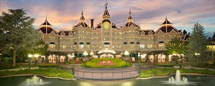 Disneyland® Hotel - lavori di restauro A9aa30e83c242cd90435765b554f7cd4