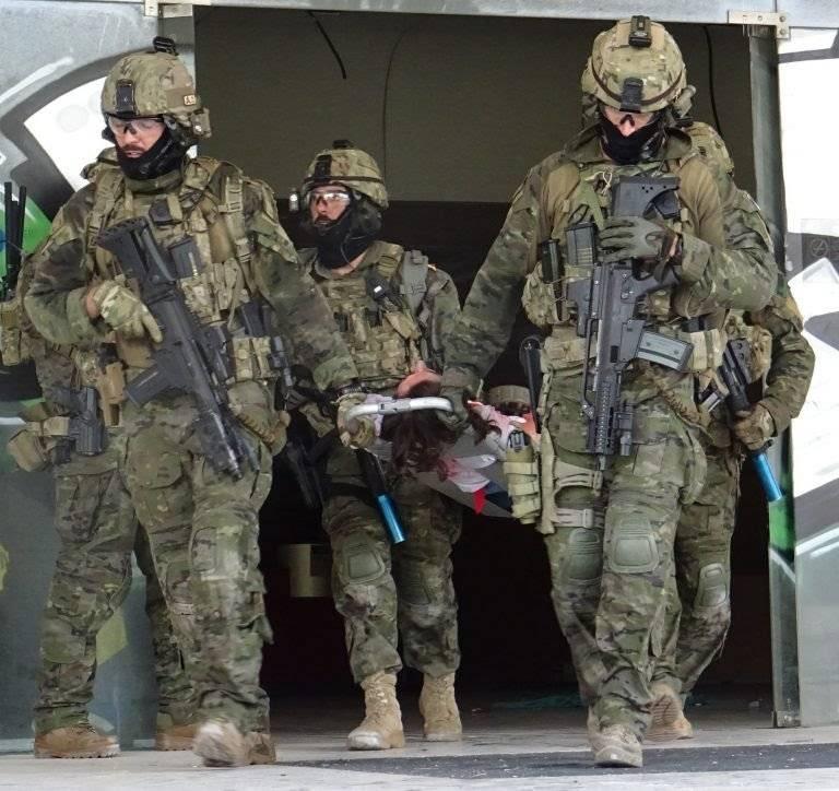 M.O.E Mando de operaciones especiales E825fd17f6a4f59395c36d3d7404ee10