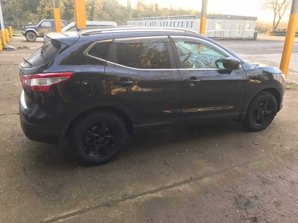 winter tyres and smaller diameter alloy wheel packages page 2 nissan qashqai forums. Black Bedroom Furniture Sets. Home Design Ideas