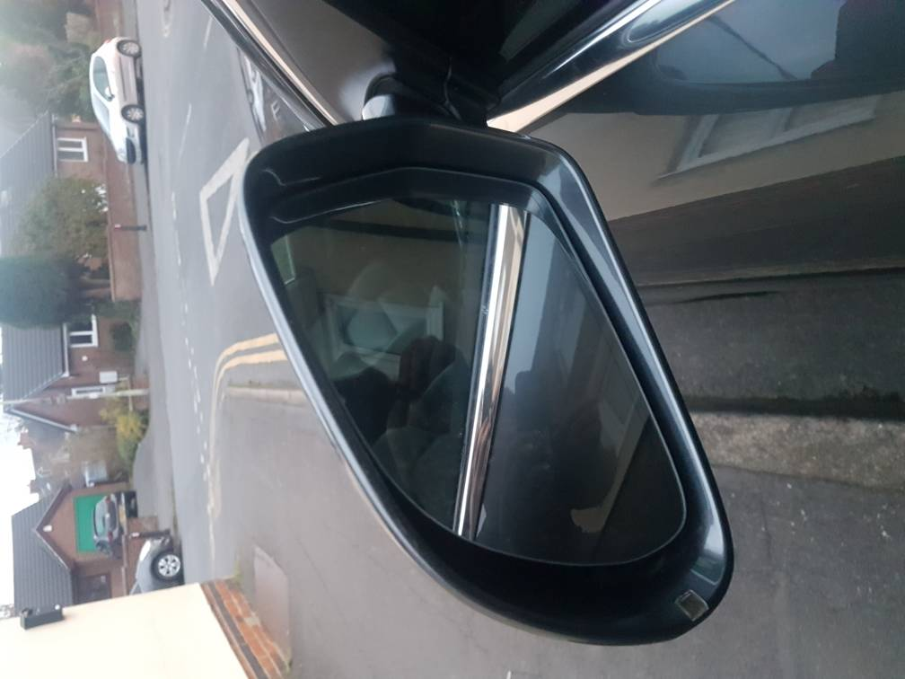 Wing mirror damaged, replacement needed   Audi-Sport net