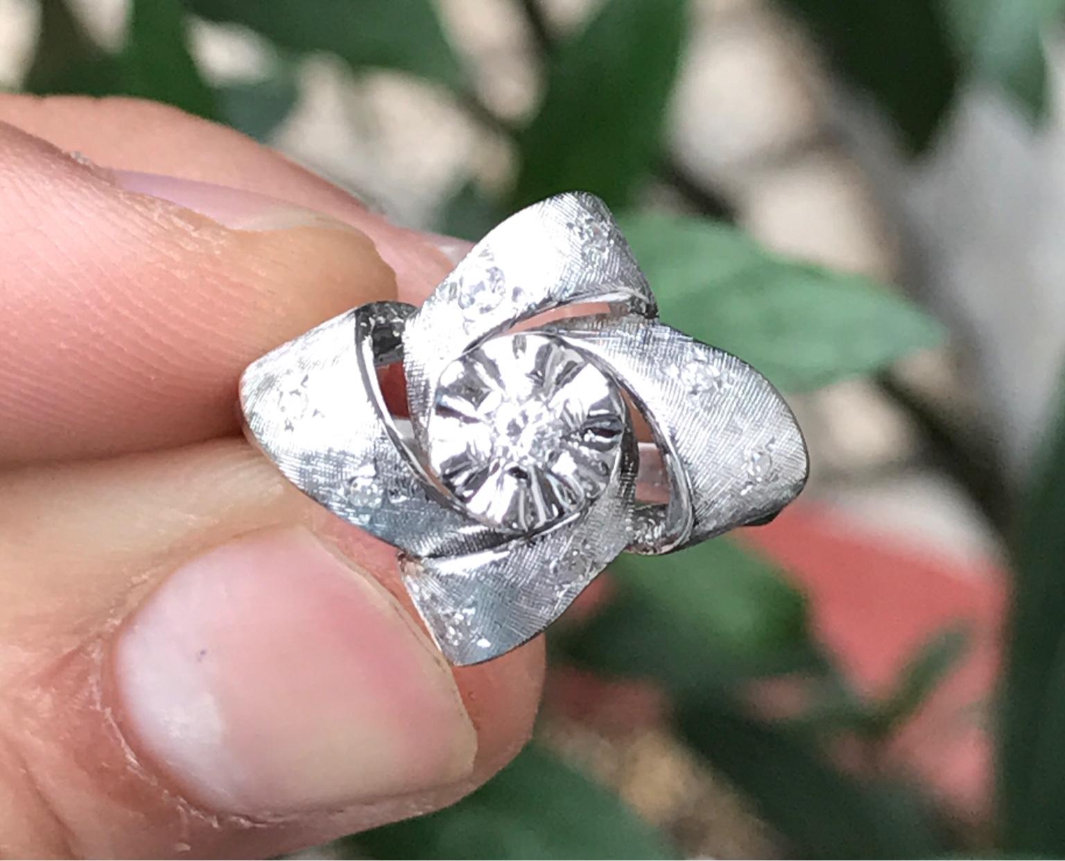 Nhẫn nữ vàng ngoại 14k. Giá: 3,6tr