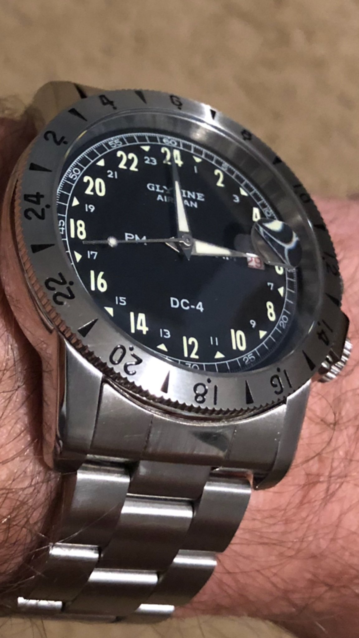 Stainless bracelet recommendation for Glycine 42mm DC-4 Airman