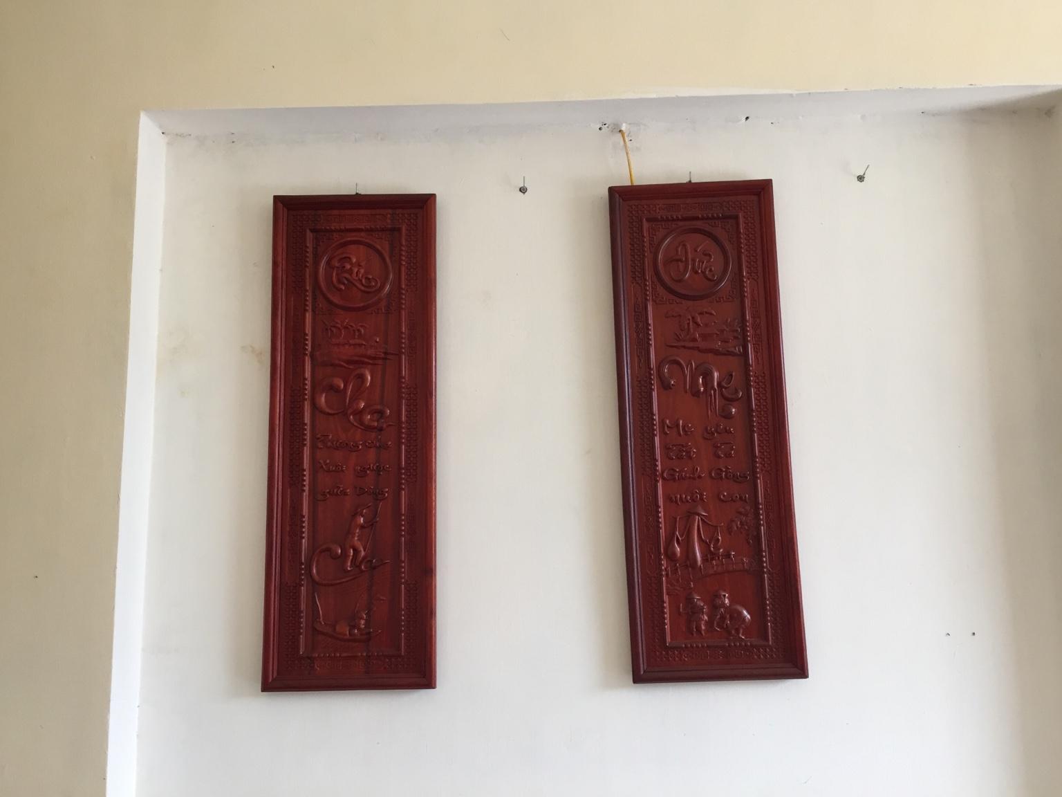 tranh thư pháp việt chữ cha mẹ  làm bằng gỗ hương  kích thước 100cm rộng 30cm lh 0974710348