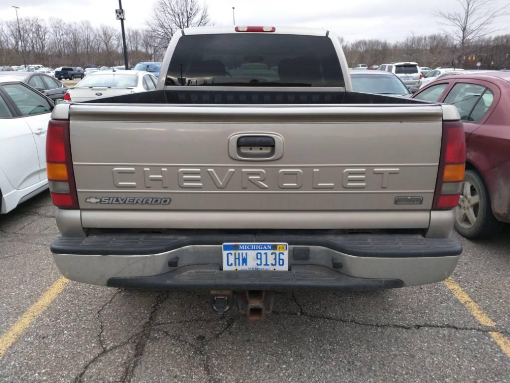 Silverado chevy 2002 silverado : Spotted: plastic truck bed on a 2002 Silverado - Chevy Colorado ...
