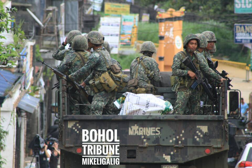 20600c245596bb6a973b88f6052d7f2a - Bohol Editor Covers Marawi City War - Philippine Photo Gallery