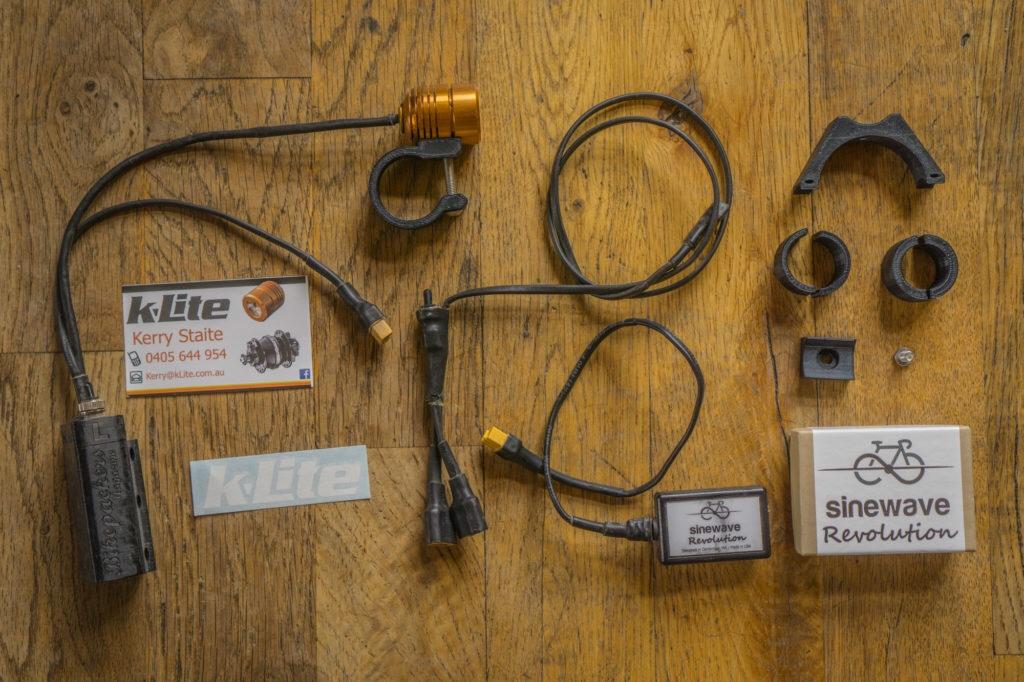 Hub dynamo and electronics thread